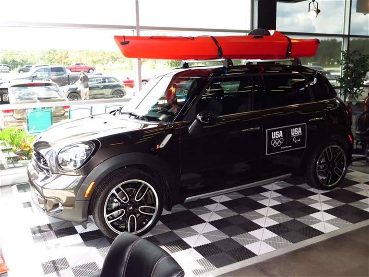 2015 MINI COOPER COUNTRYMAN ALL4 4dr S 0 miles 2 Seatback Storage Pockets 3 12V DC Power Outlets