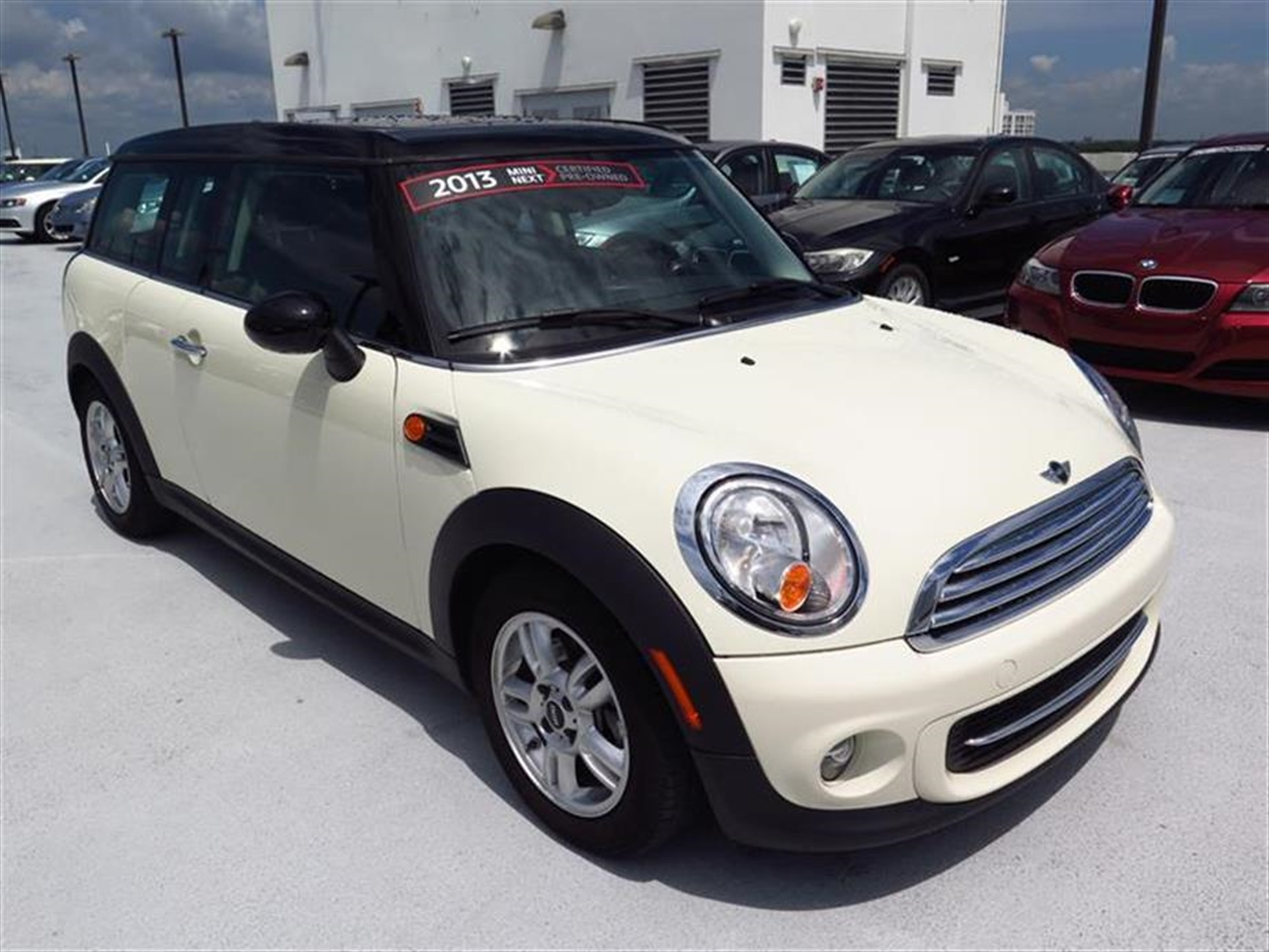2013 MINI COOPER CLUBMAN 2dr Cpe 13522 miles 1 rear cup holder 2 12V pwr outlets 5050 split