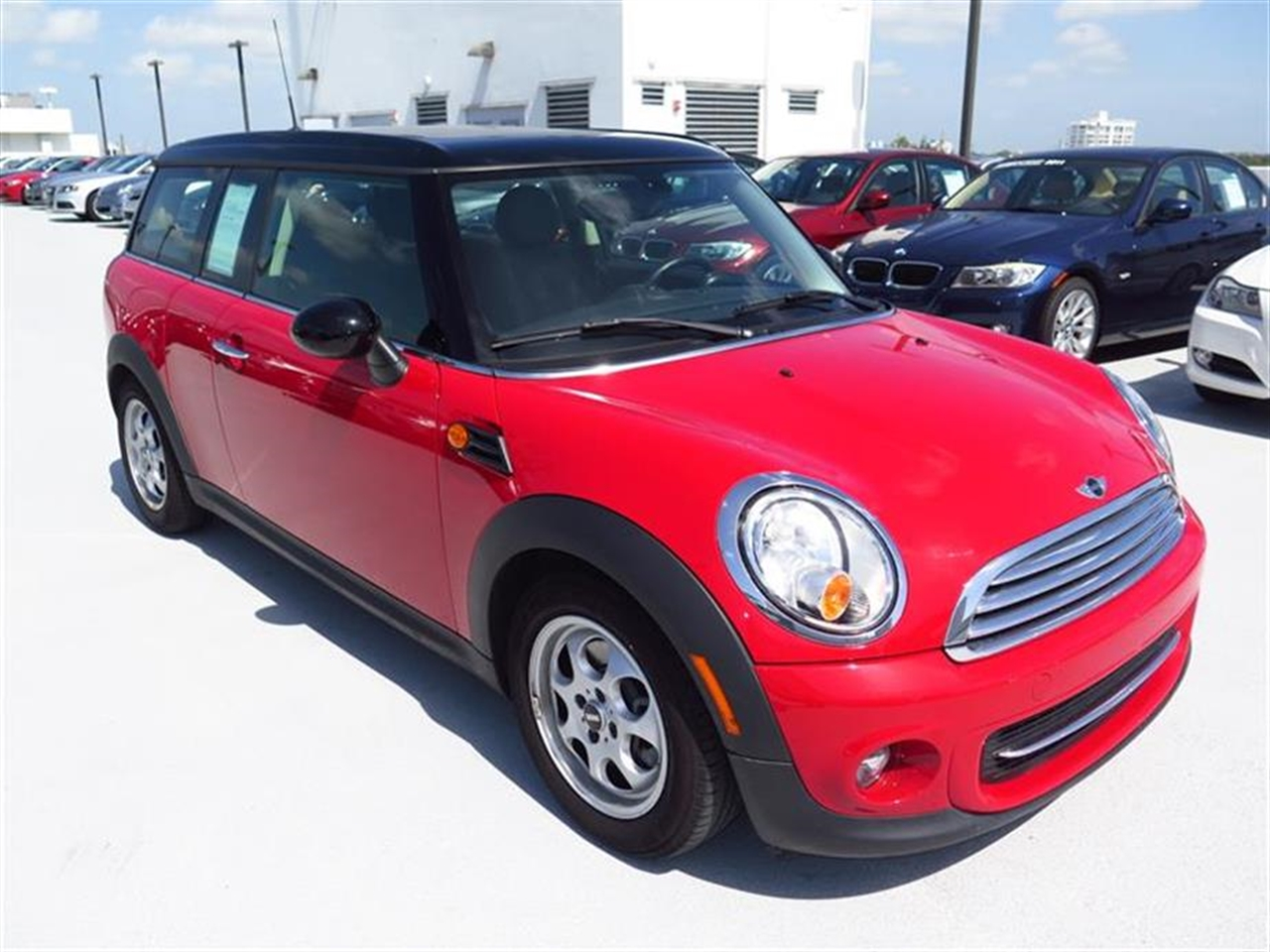 2013 MINI COOPER CLUBMAN 2dr Cpe 15294 miles 1 rear cup holder 2 12V pwr outlets 5050 split