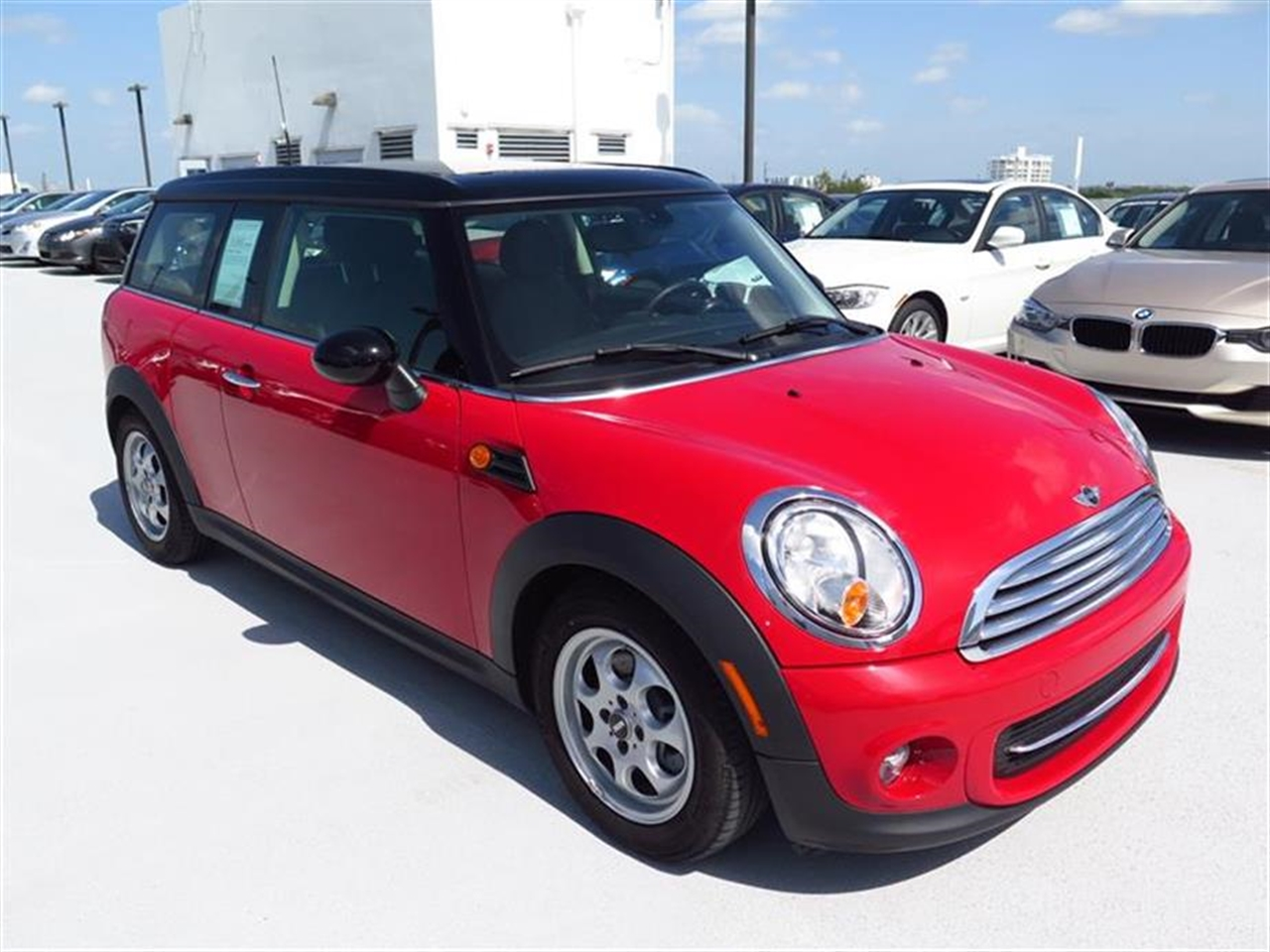 2013 MINI COOPER CLUBMAN 2dr Cpe 15736 miles 1 rear cup holder 2 12V pwr outlets 5050 spli