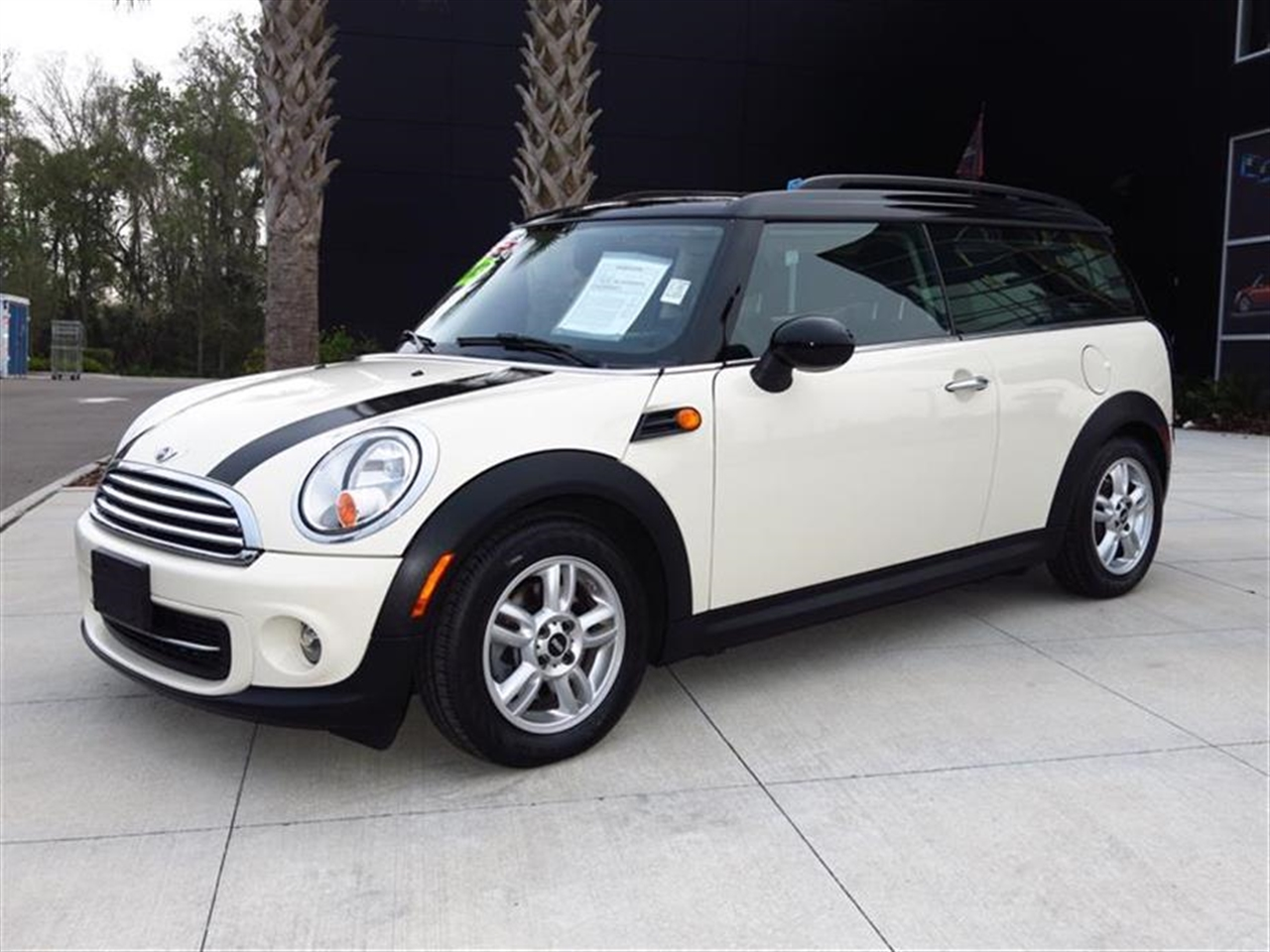 2013 MINI COOPER CLUBMAN 2dr Cpe Clubvan 21378 miles 1 rear cup holder 2 12V pwr outlets Air