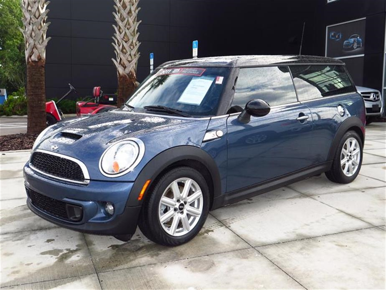 2011 MINI COOPER CLUBMAN 2dr Cpe S 29261 miles 1 rear cup holder 2 12V pwr outlets 2010 50