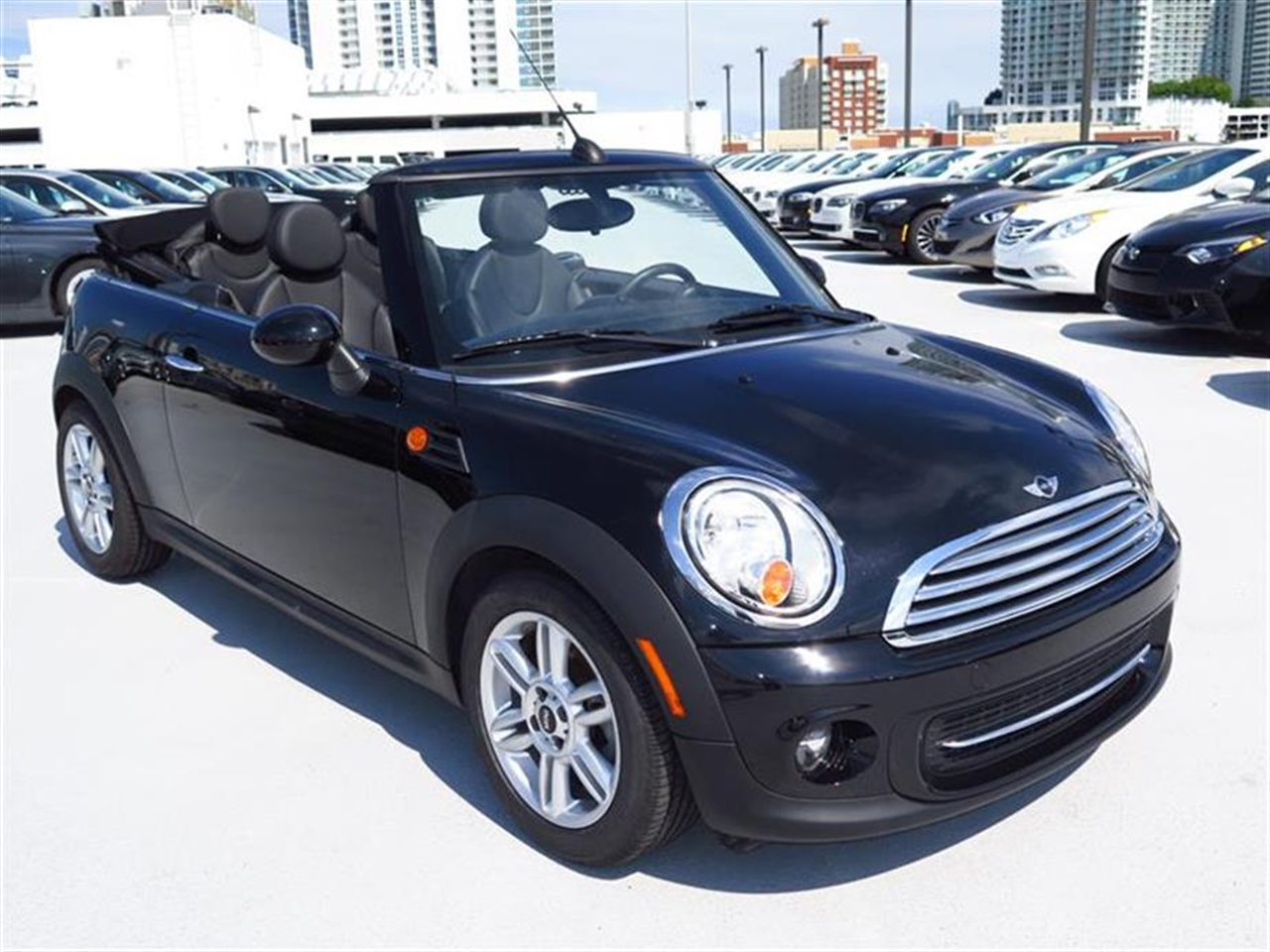 2012 MINI COOPER 2dr 17319 miles 2 front1 rear cupholders 12V auxiliary pwr outlet in cockp