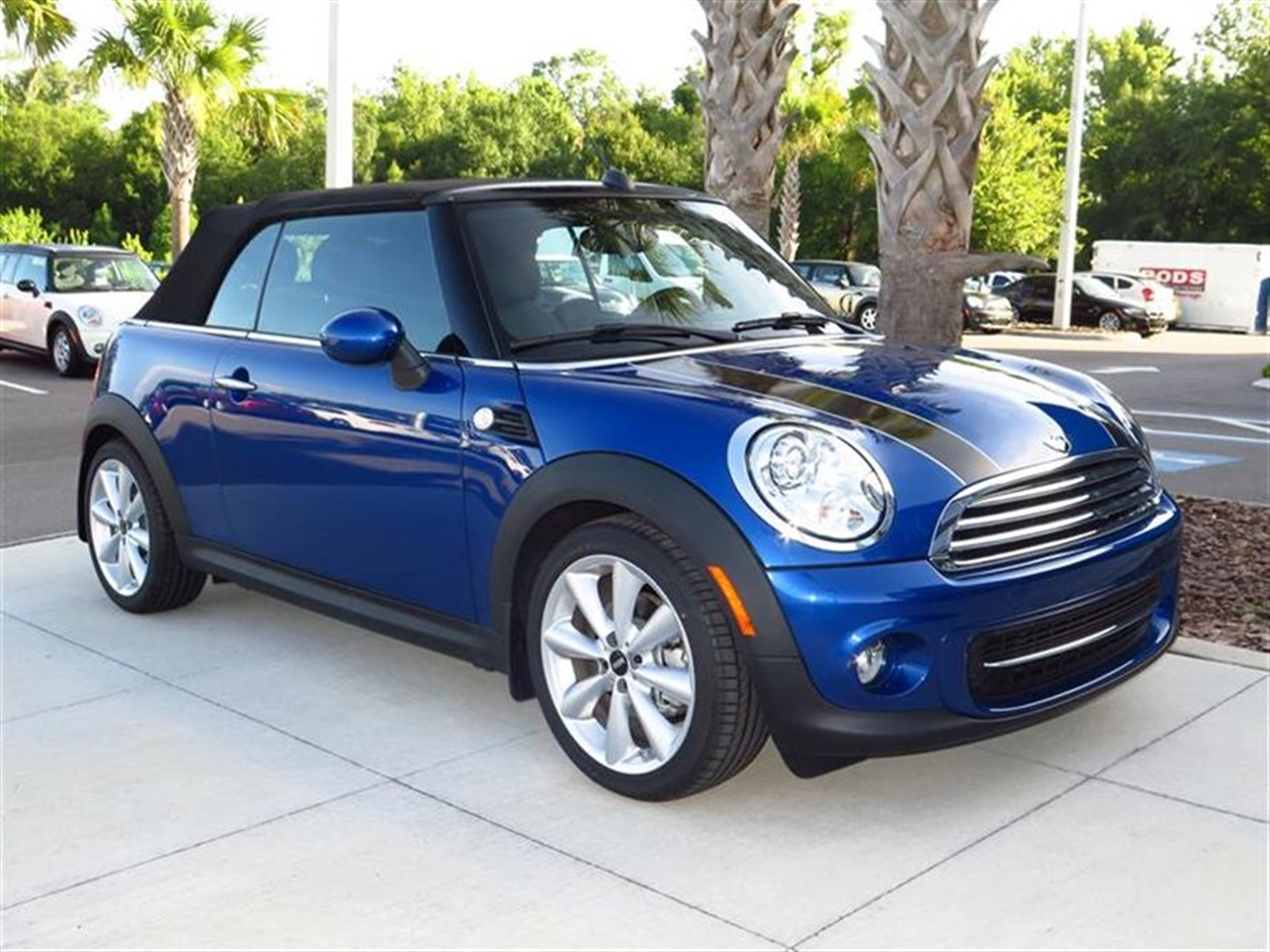 2014 MINI COOPER CONVERTIBLE 2dr 0 miles 2 12V DC Power Outlets 2 Seatback Storage Pockets LEATH