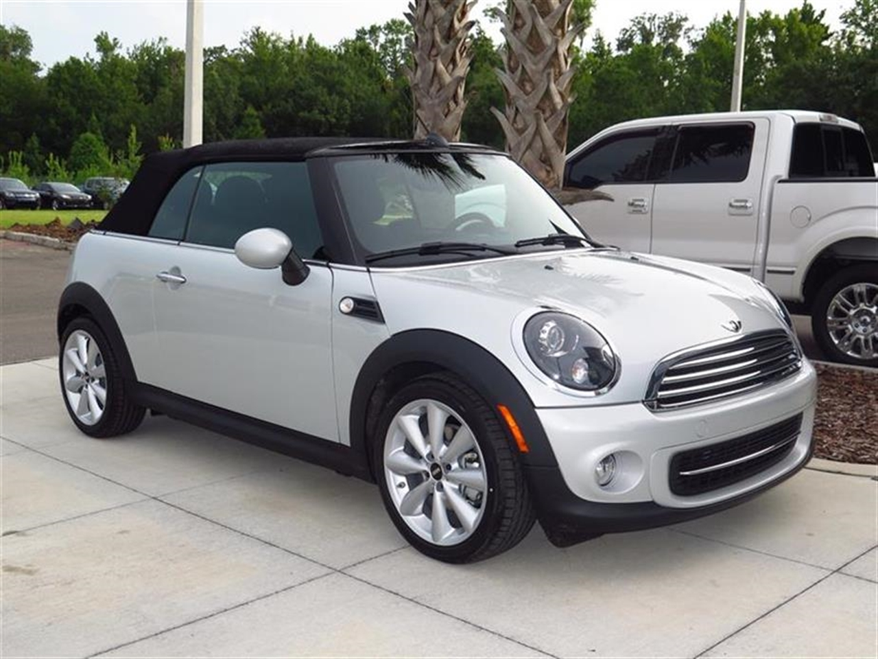 2014 MINI COOPER CONVERTIBLE 2dr 0 miles 2 12V DC Power Outlets 2 Seatback Storage Pockets 4 Per