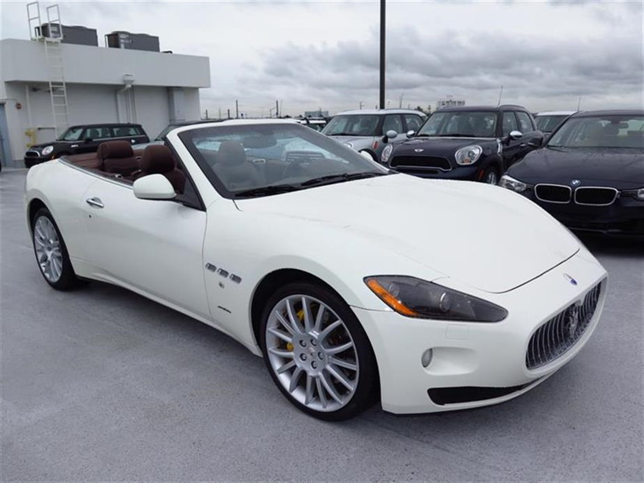 2012 MASERATI GRANTURISMO 2dr Conv GranTurismo 13237 miles 3-spoke black leather sports steering