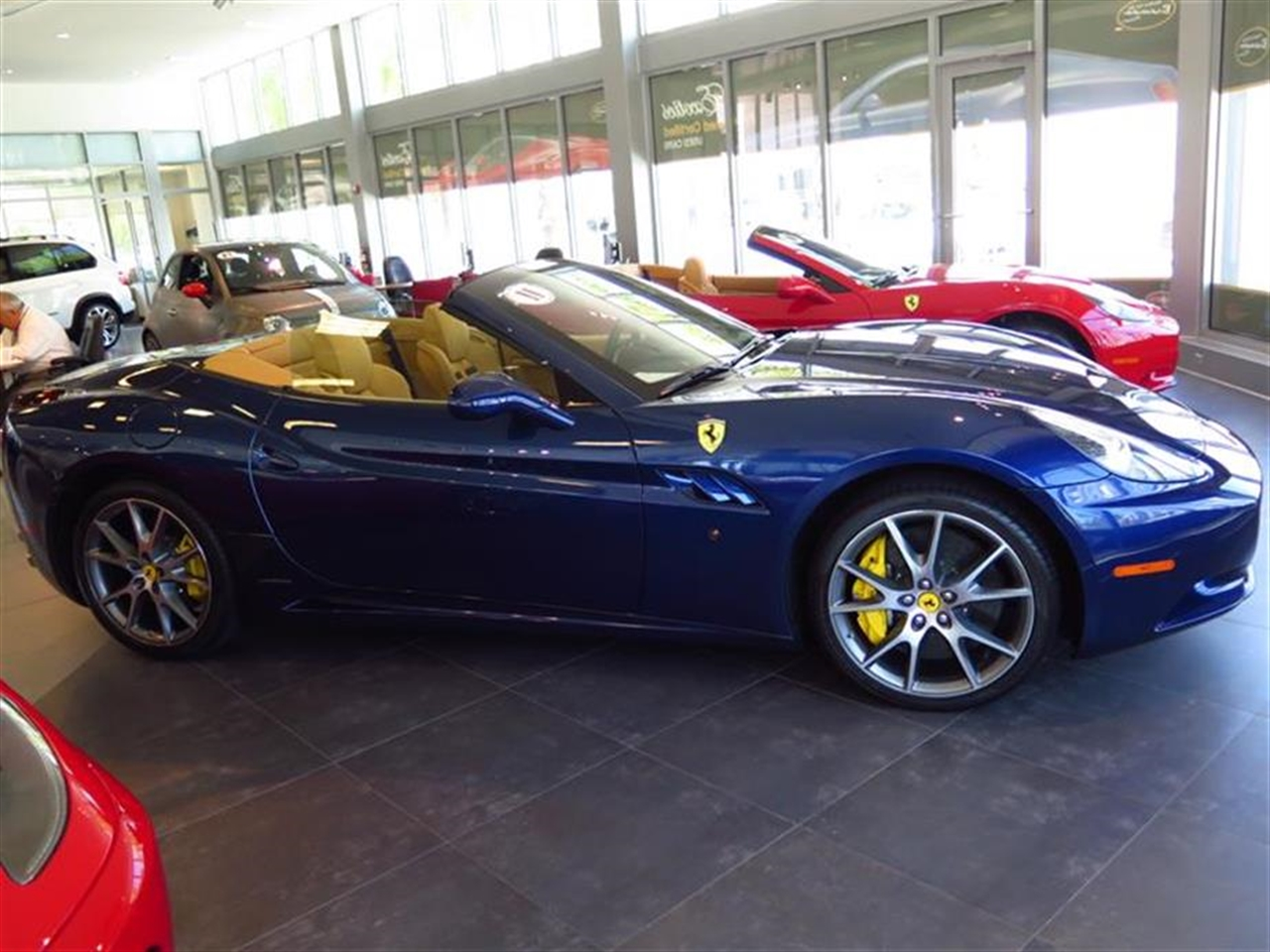 2011 FERRARI CALIFORNIA 2dr Conv 1312 miles 12V front pwr outlets 2010 5050 folding rear bucke