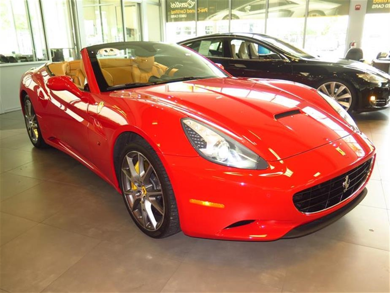 2014 FERRARI CALIFORNIA 2dr Conv 5748 miles 1 12V DC Power Outlet 4 Person Seating Capacity 50-
